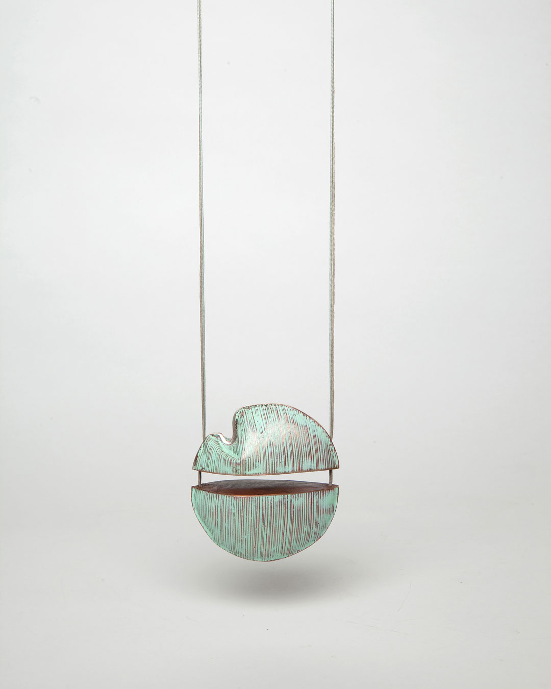 Nicole Beck, Green Planet, 2018, pendant; copper, enamel, silver, thread, 85 x 85 x 40 mm, €1650