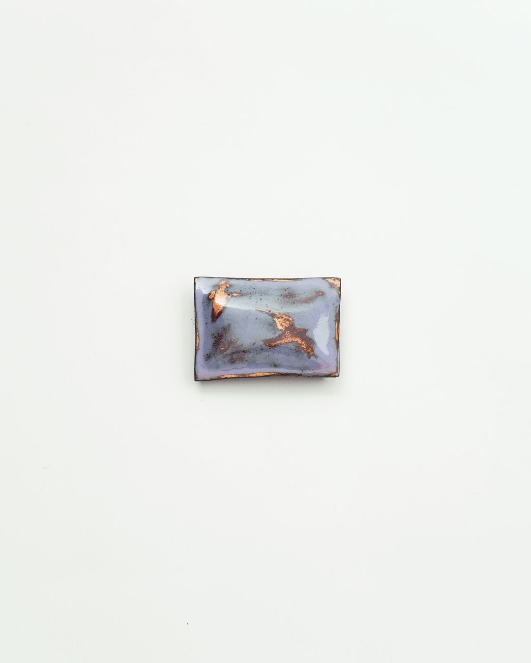 Nicole Beck, Little Bird, 2019, brooch; copper, enamel, silver, 50 x 35 x 10 mm, €540