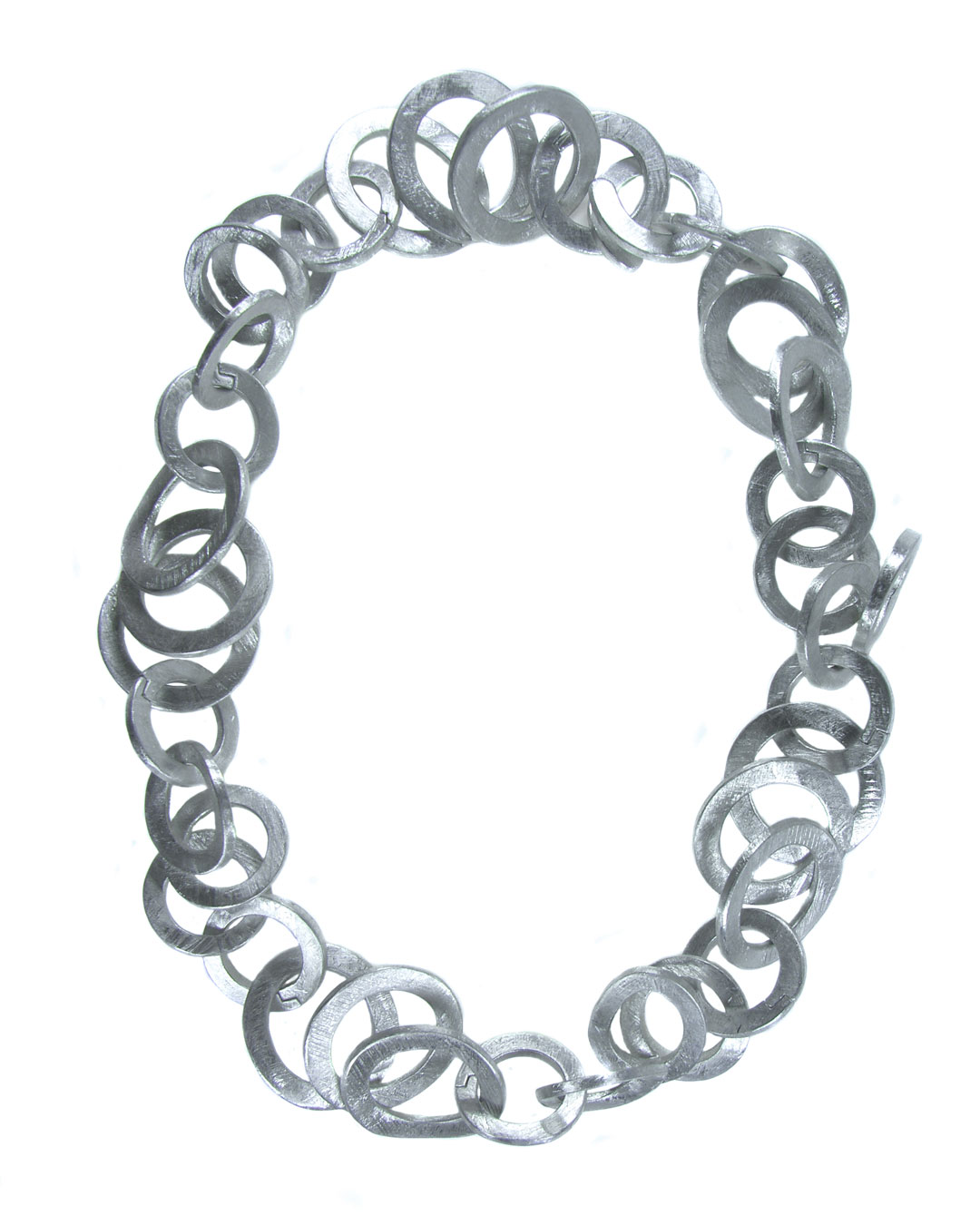 Antje Bräuer, untitled, 2008, necklace; aluminium, ø 250 mm, €1865