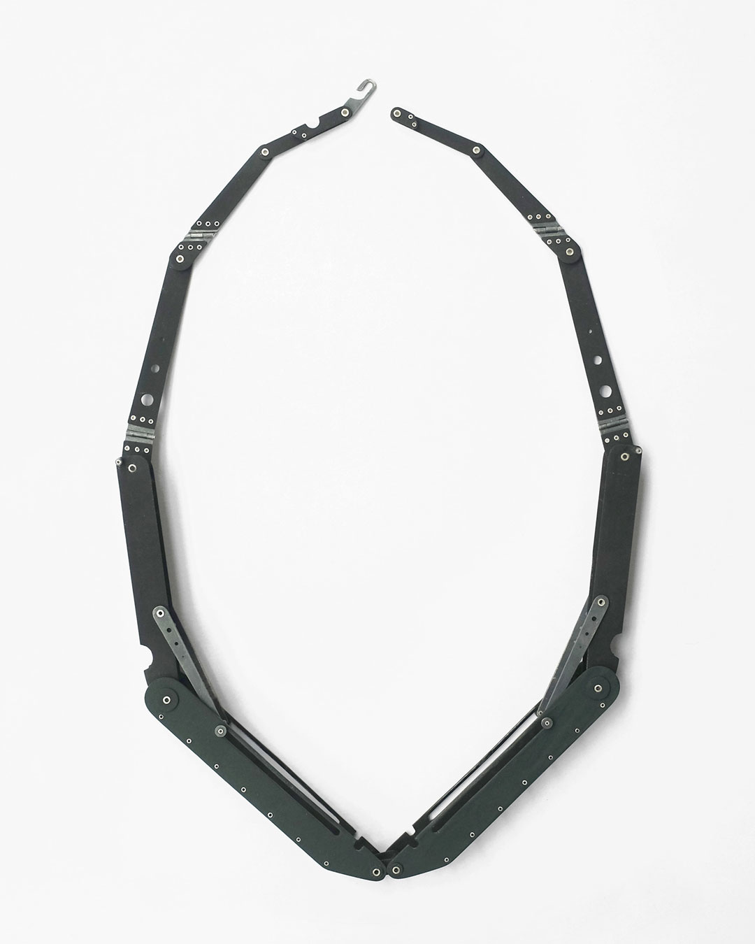 Katie Collins, What Was Once Still II, 2015, necklace; enamel, mild steel, silver, 201 x 330 x 22 mm, €4250