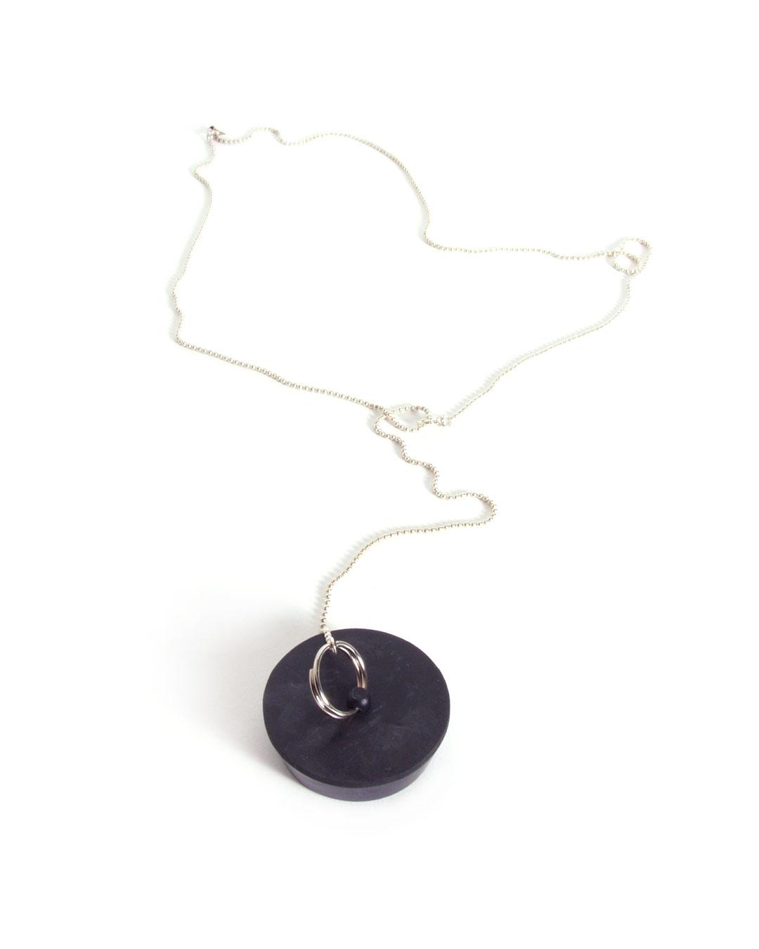 Hilde De Decker, untitled, 1996, pendant; silver, rubber, element ø 40 x 13 mm; L 630 mm