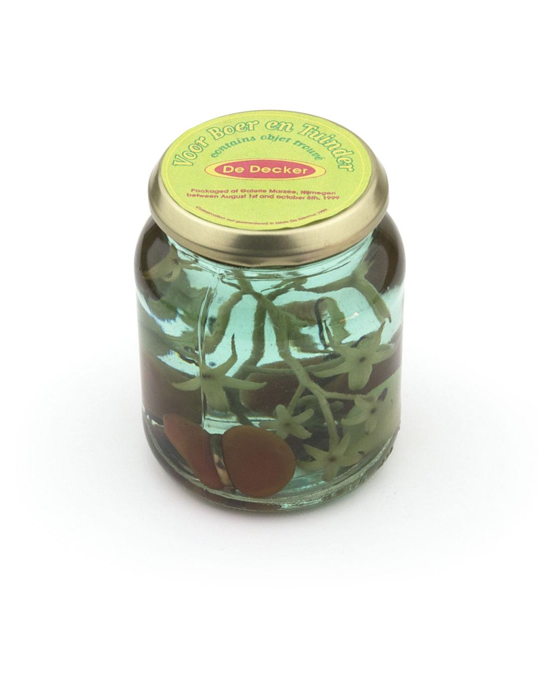 Hilde De Decker, Voor boer en tuinder (For the Farmer and the Market Gardener), packaged at Galerie Marzee, 1999, object; glass, vinegar, vegetable, found object, ø 80 x 100 mm