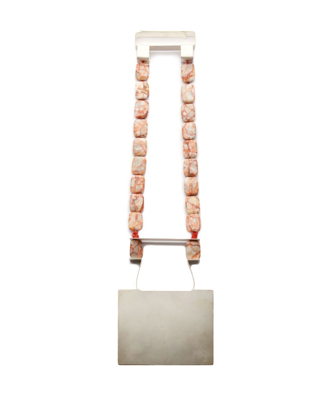 Ute Eitzenhöfer, untitled, 2014, necklace; silver, jasper, 350 x 100 x 10 mm, €2250