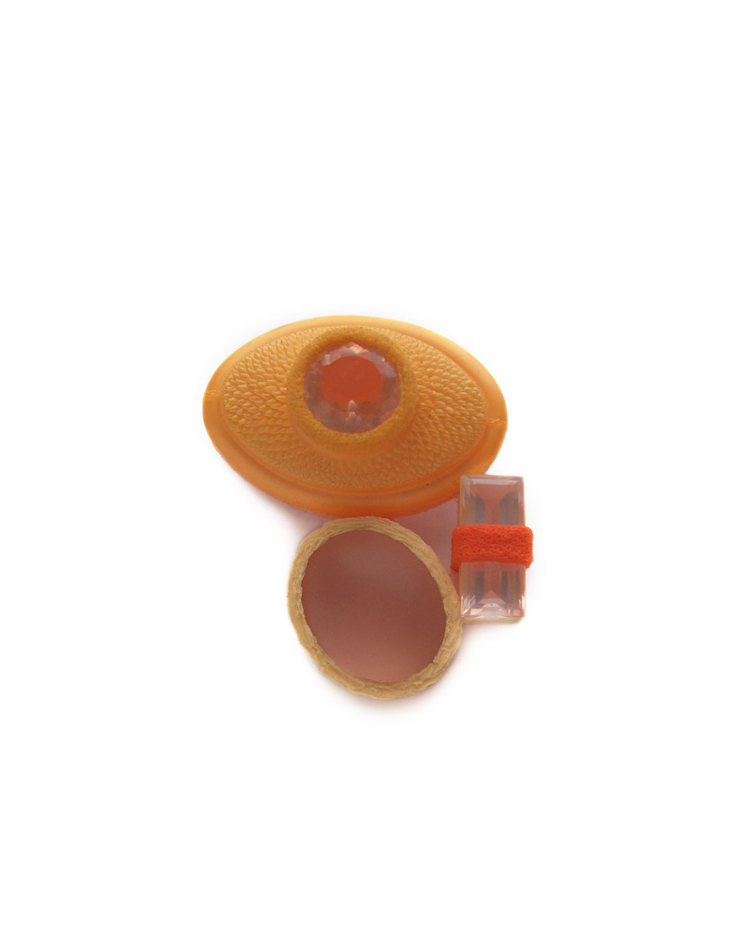 Ute Eitzenhöfer, Precious Mix 2, 2004, brooch; plastic, rose quartz, silver, 48 x 38 x 16 mm