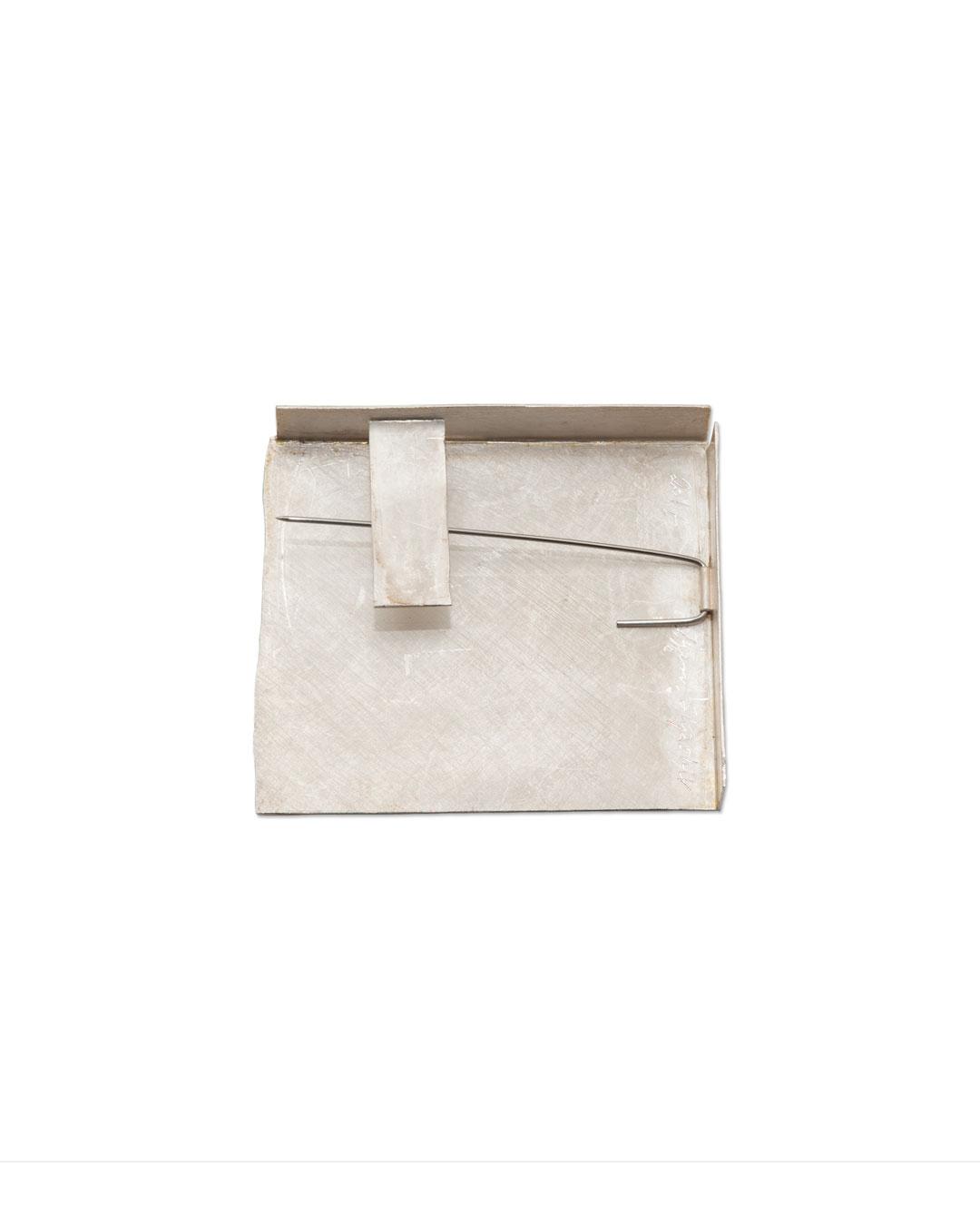 Noam Elyashiv, Corner, 2017, brooch; reclaimed silver, steel, 44 x 38 x 6 mm, €1350