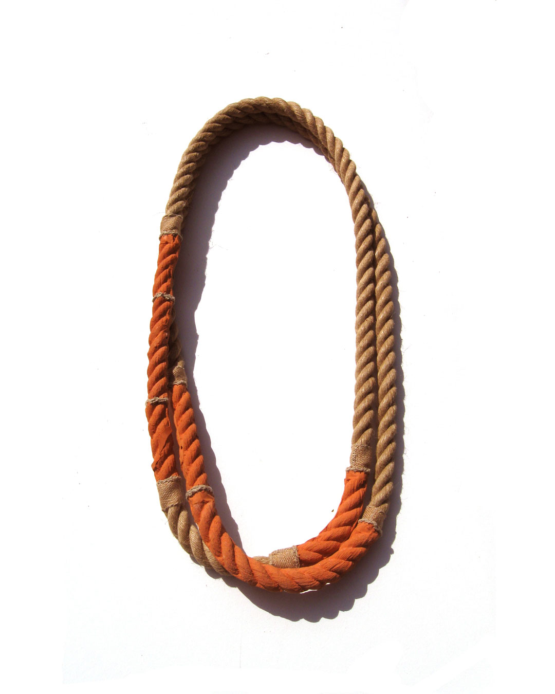 Willemijn de Greef, Touw (Rope), 2010, necklace; ceramic, hemp cord, 800 x 330 x 70 mm, €2000