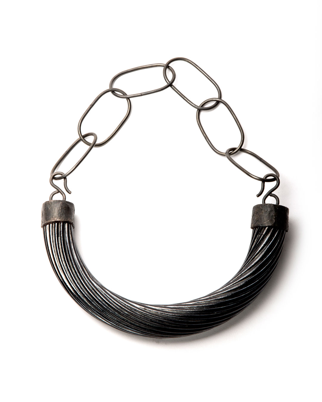 Willemijn de Greef, Shifting Context, 2019, necklace; silver, glass, epoxy, 265 x 210 x 39 mm, €3000