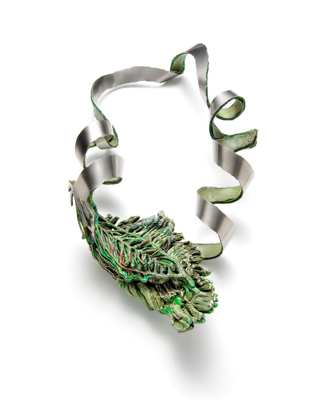 Ineke Heerkens, Dwarrelend Blad (Dwarf Leaf),  2011, necklace; polyethylene, stainless steel, oxidised silver, 320 x 165 x 75 mm, €2700