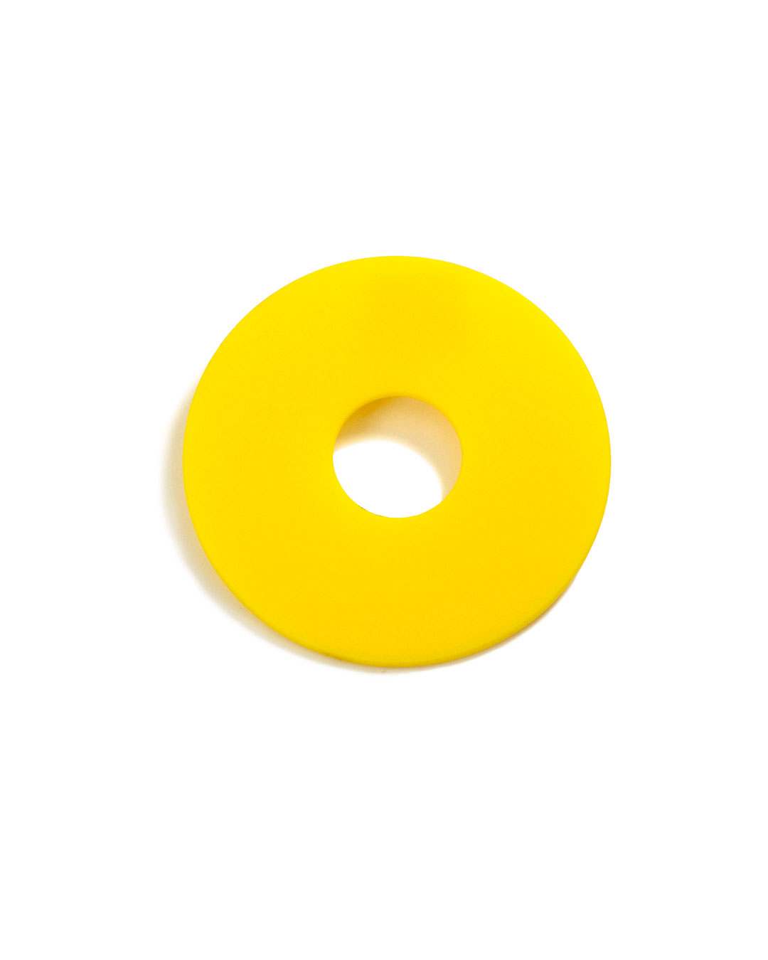 Herman Hermsen, untitled, 1985, brooch; plastic, 98 x 3 mm, €50