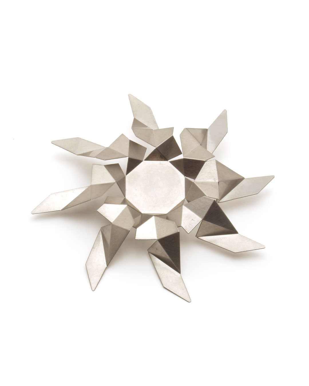 Herman Hermsen, Briljant (Brilliant), 1990, brooch; etched stainless steel, 109 x 17 mm, €515