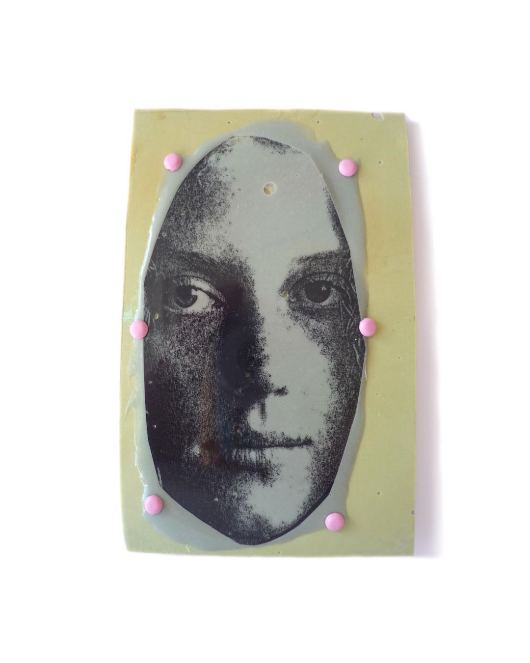 Margit Jäschke, untitled, 2012, brooch; corrugated board, epoxy, pin, silver, 118 x 70 x 9 mm, €1340