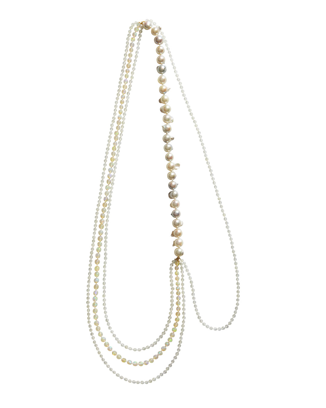 Annelies Planteijdt, Mooie stad - Parelend water (Beautiful City - Pearling Water), 2020, necklace; Akoya pearls, Welo opal, jade, gold, yarn, 700 mm, €3275