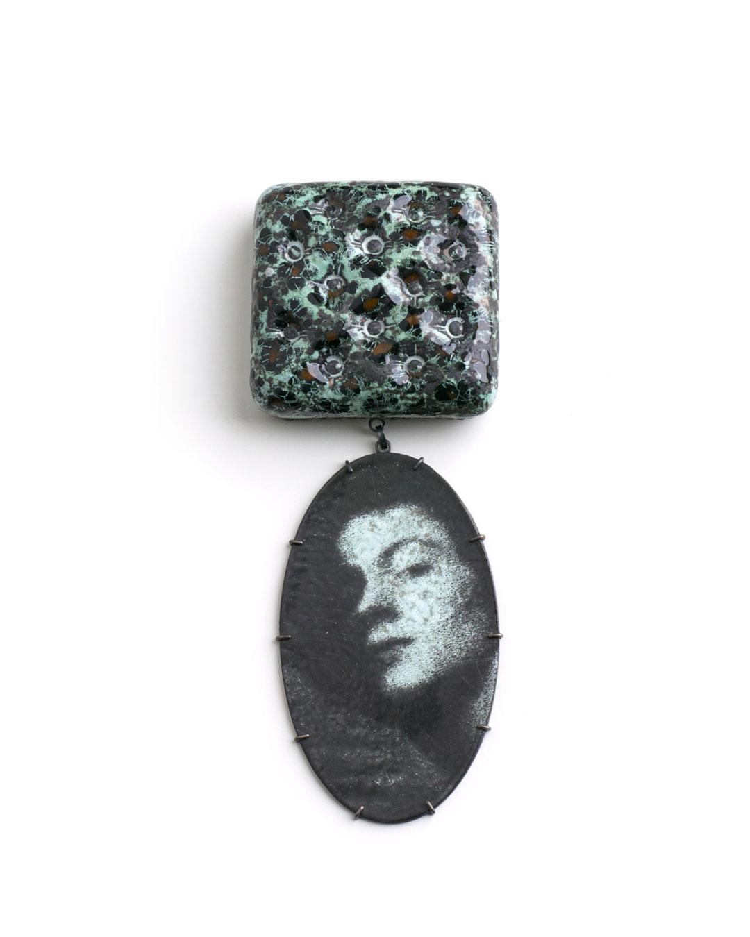 Vera Siemund, untitled, 2008, brooch; copper, silver, enamel, 60 x 160 x 20 mm, €1180