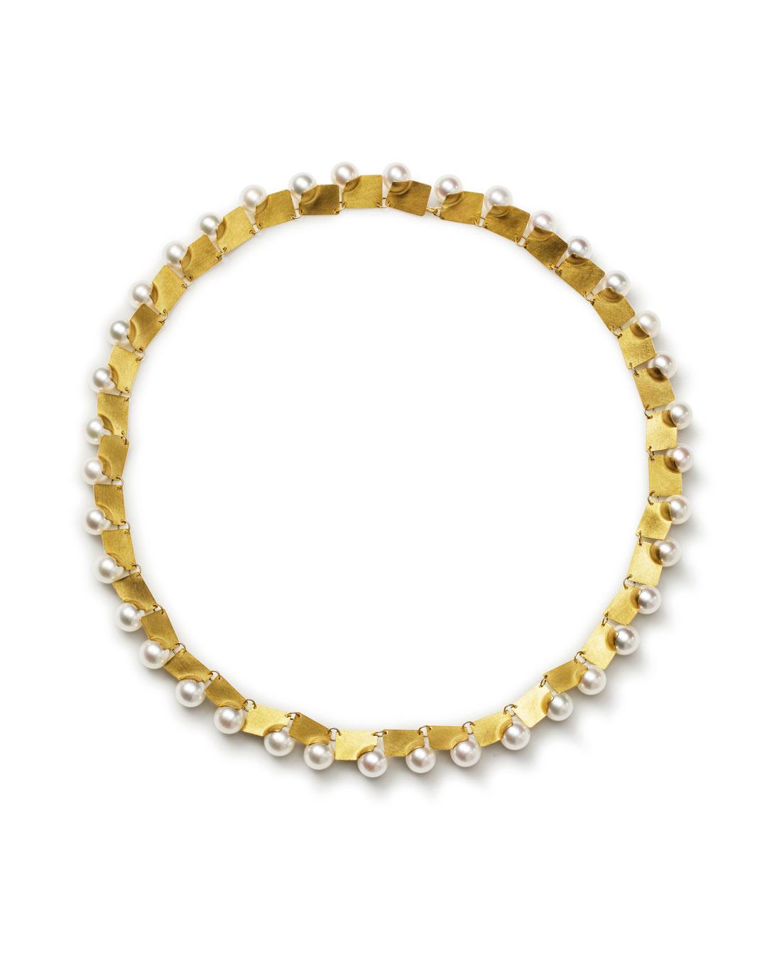 Etsuko Sonobe, untitled, 2013, necklace; 20ct gold, pearls, 520 x 12 x 7 mm, €5900