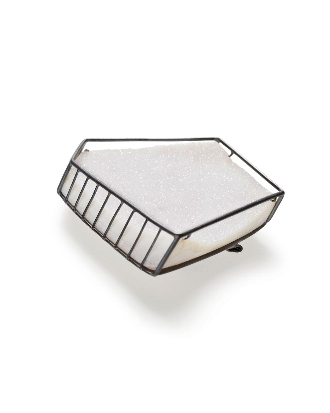 Etsuko Sonobe, Snow Ice, 2012, brooch; silver, quartz geode, 50 x 43 x 15 mm, €1550