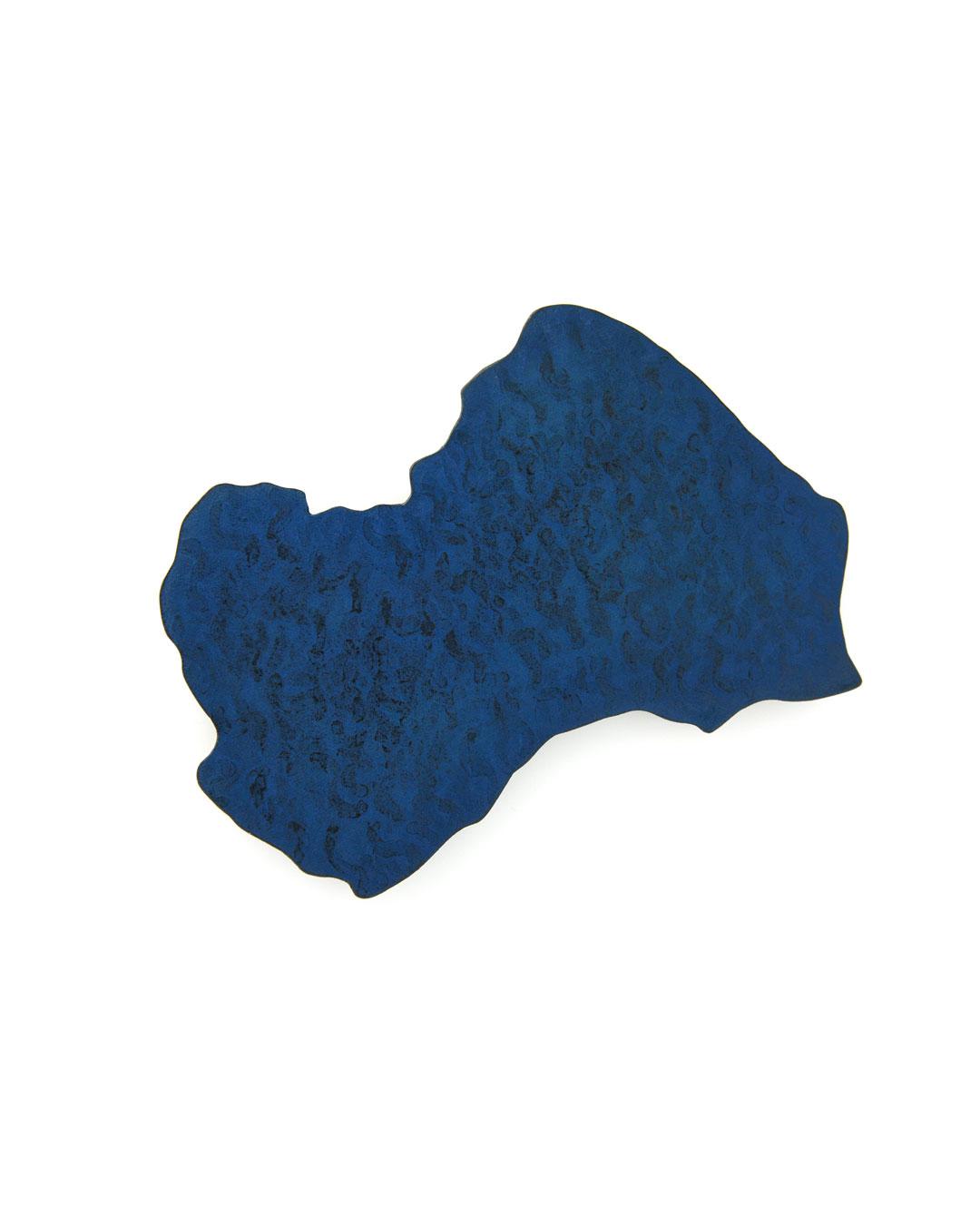 Tore Svensson, Lake Shikotsu, 2016, brooch; steel, paint, 80 x 55 mm, €610