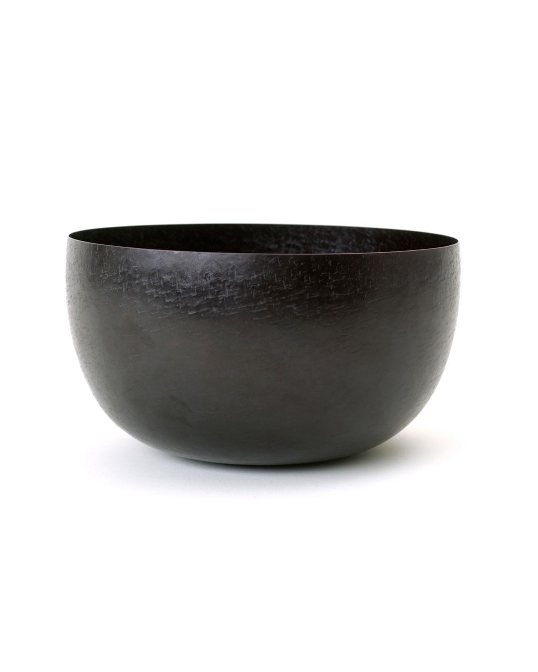 Tore Svensson, untitled, 2000, bowl; iron, partly gilt, 135 x ø 250 mm, €3500