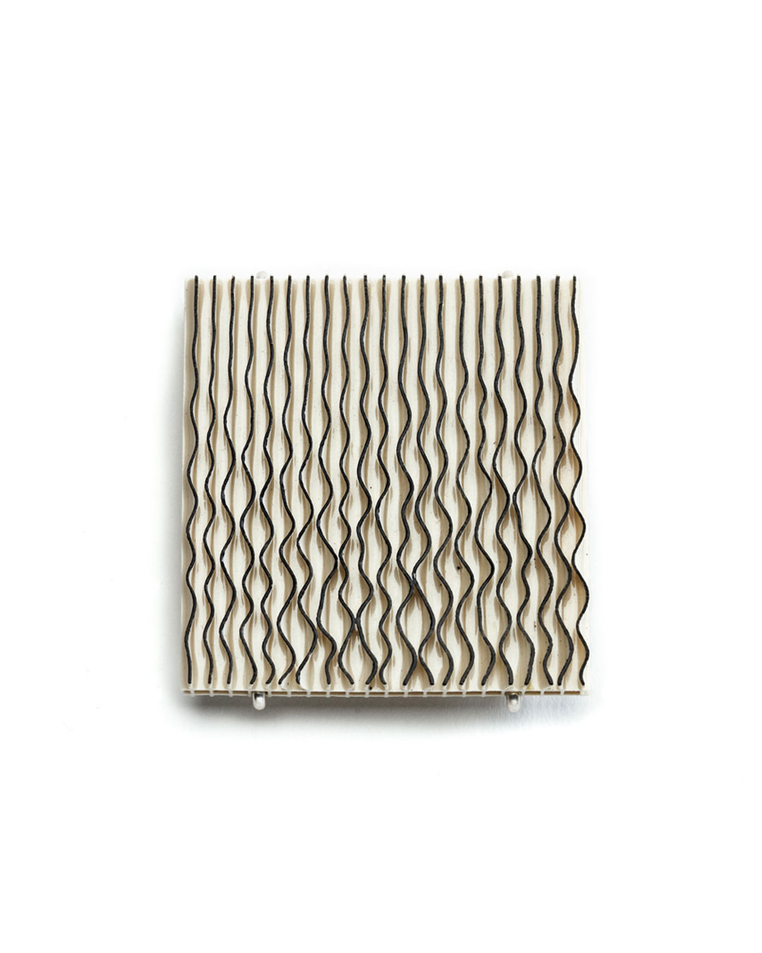 Silke Trekel, Strömung (Current), 2017, brooch; porcelain, silver, 57 x 54 x 7 mm, €920