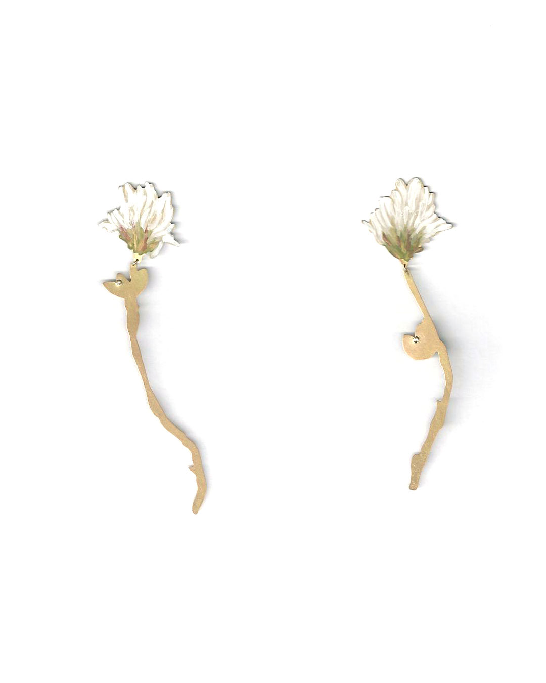 Christopher Thompson Royds, Natura Morta: White Clover, 2016, earrings; 18ct gold, hand-painted, diamonds, 75 x 20 mm, €1150