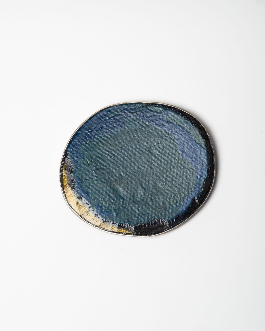 Shin Hea Lim, Drew a Rain II, 2019, brooch; mixed materials, silver, ottchil (lacquer), 100 x 81 x 10 mm, €1250