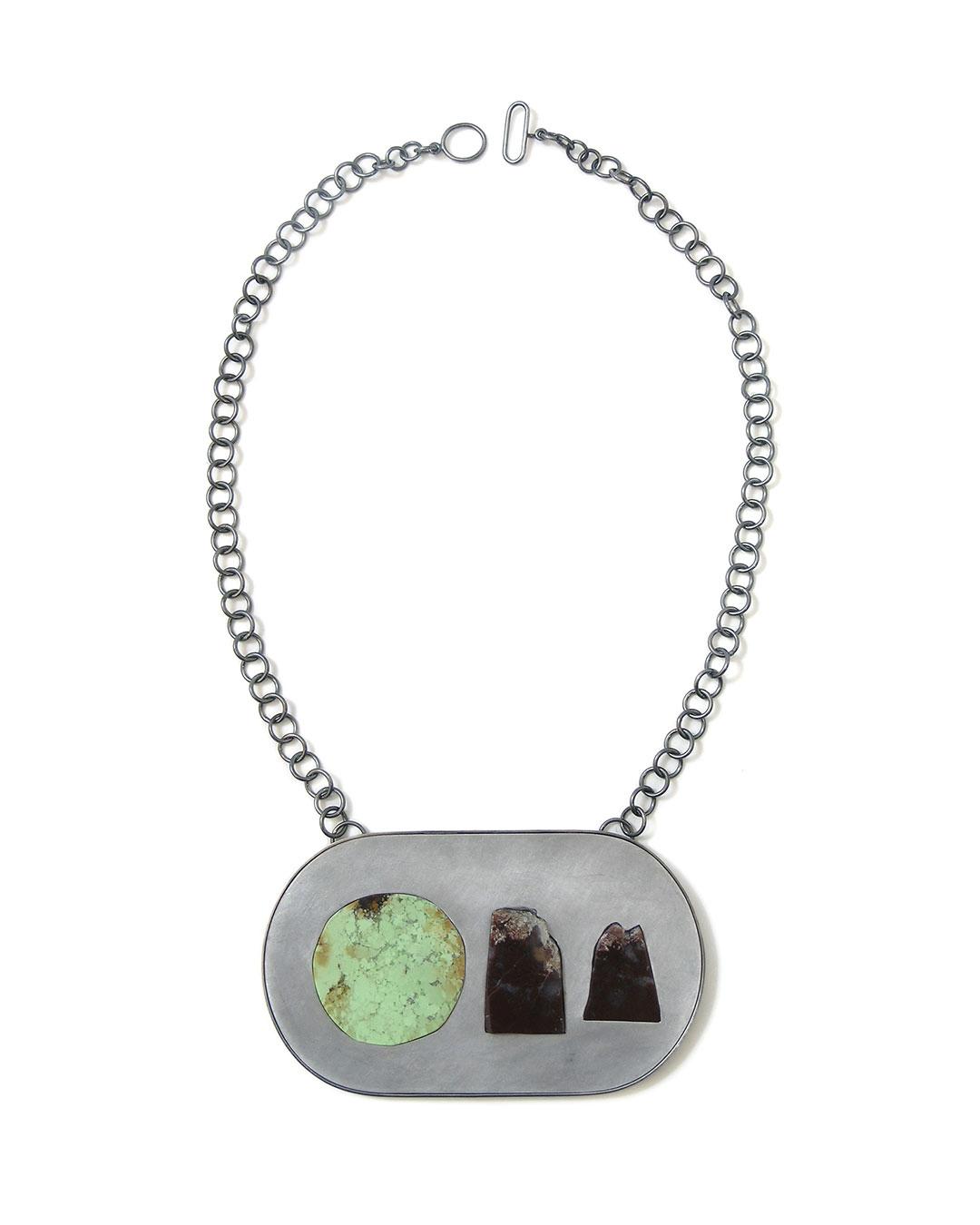Sybille Richter, Ravary, 2008, necklace; silver, aluminium, chrysoprase, agate, 68 x 115 x 5 mm, €1410