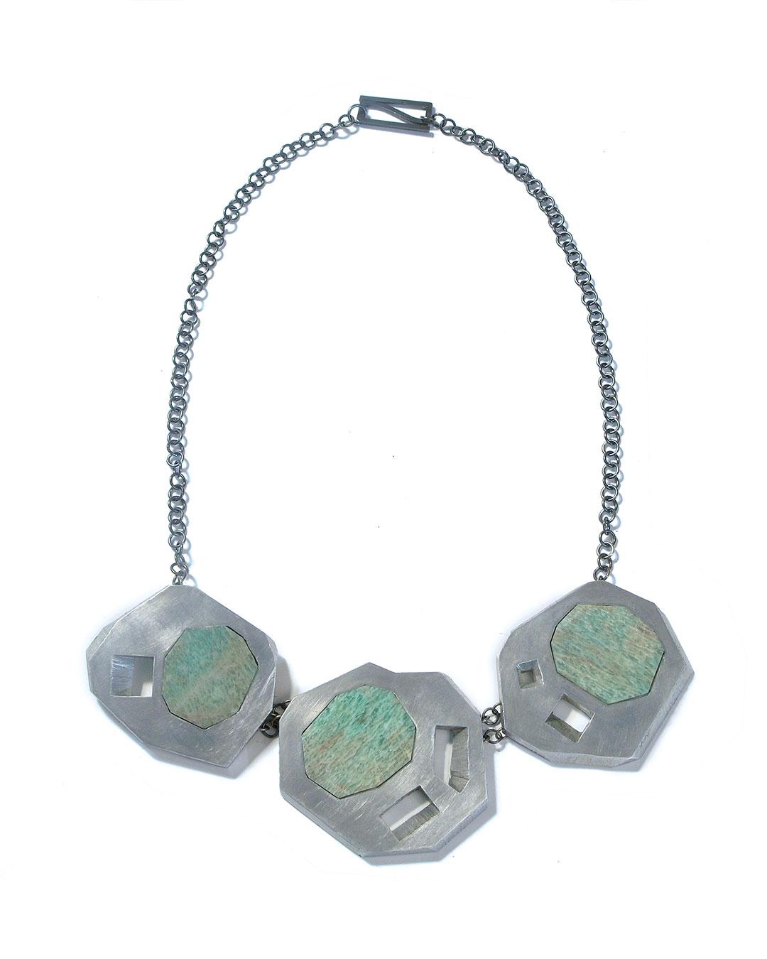 Sybille Richter, Wiesen (Meadow), 2009, necklace; aluminium, 935 silver, agate, 60 x 50 x 5 mm, €1020