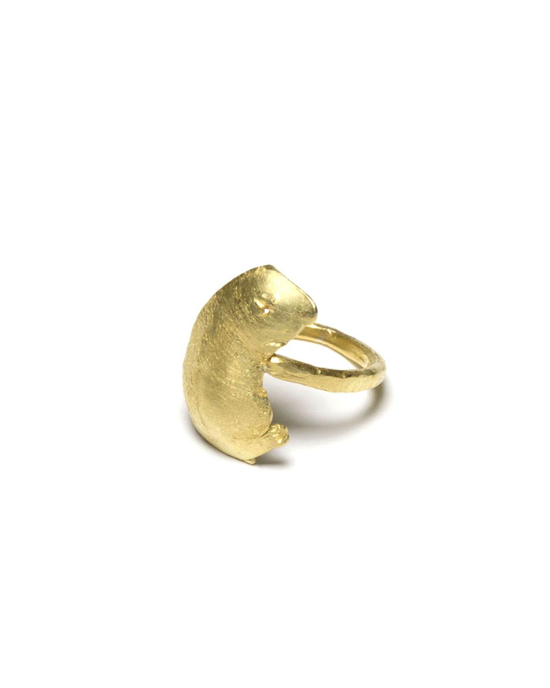 Juliane Brandes, zonder titel, 2016, ring; 18 kt goud, 20 x 24 x 23 mm, €1700