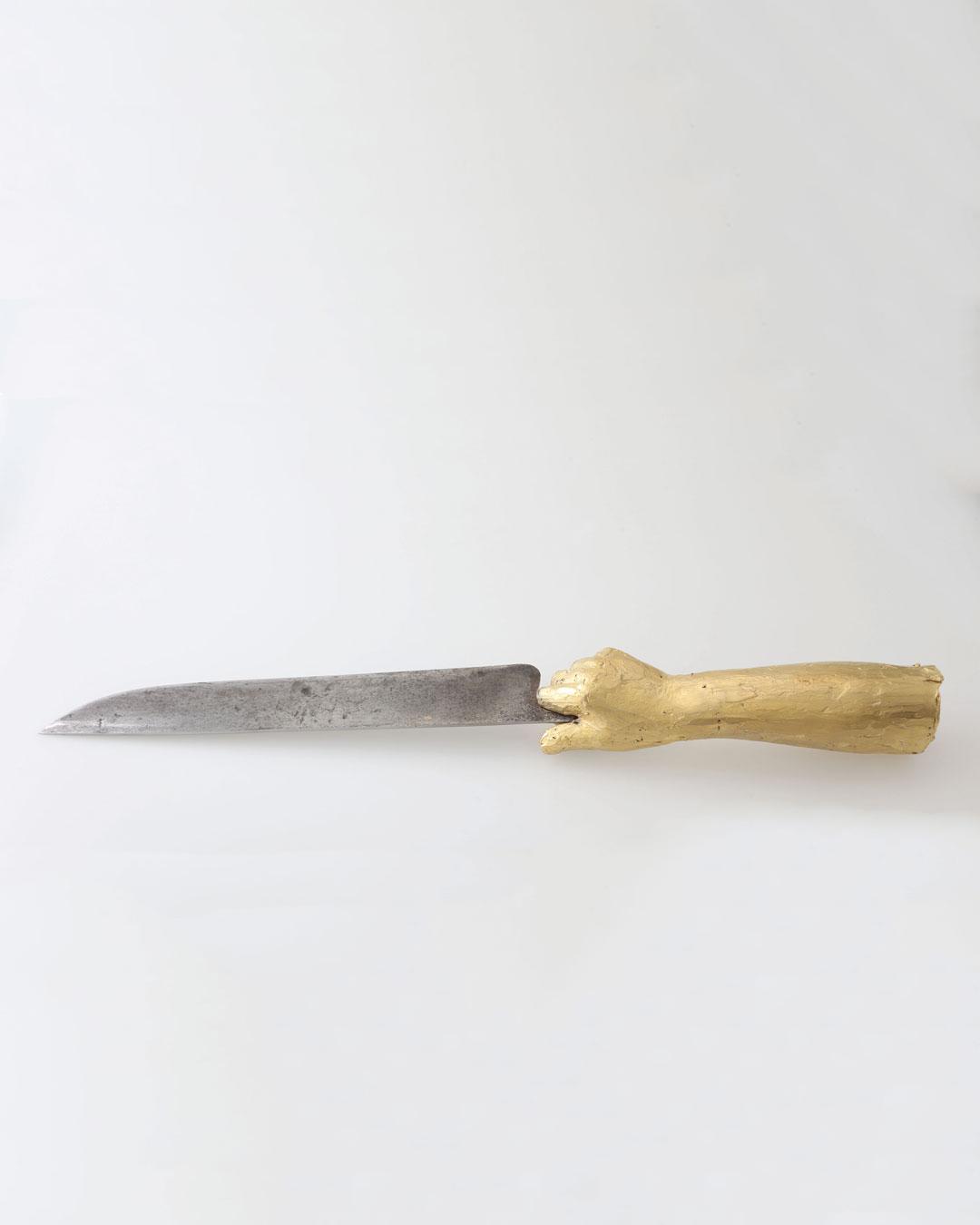 Juliane Brandes, zonder titel, 2017, mes; verguld messing, stalen (1860) lemmet, 320 x 30 mm, €2430