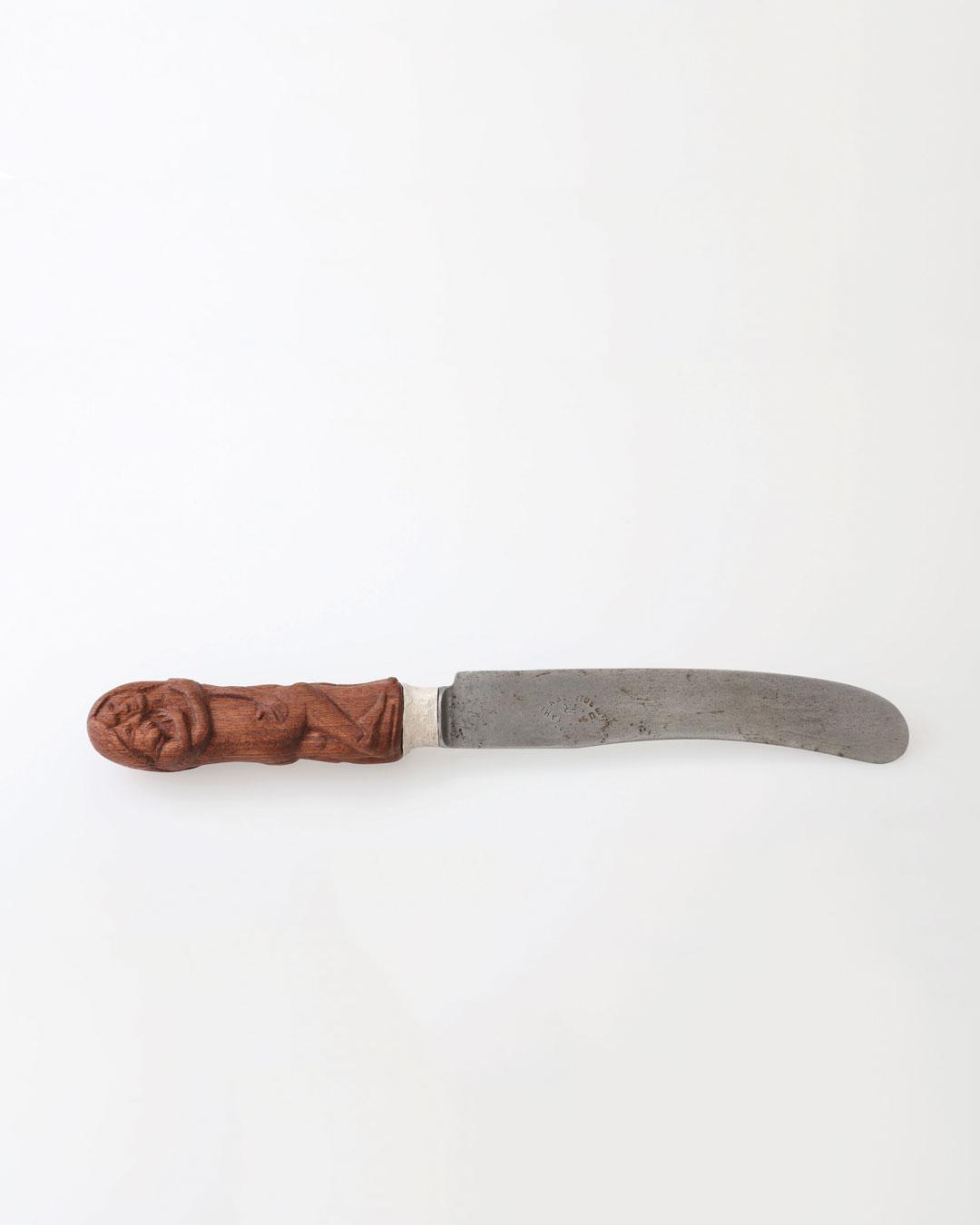 Juliane Brandes, zonder titel, 2017, mes; palisander hout, zilver, staal (1880) lemmet, 220 x 25 mm, €2060