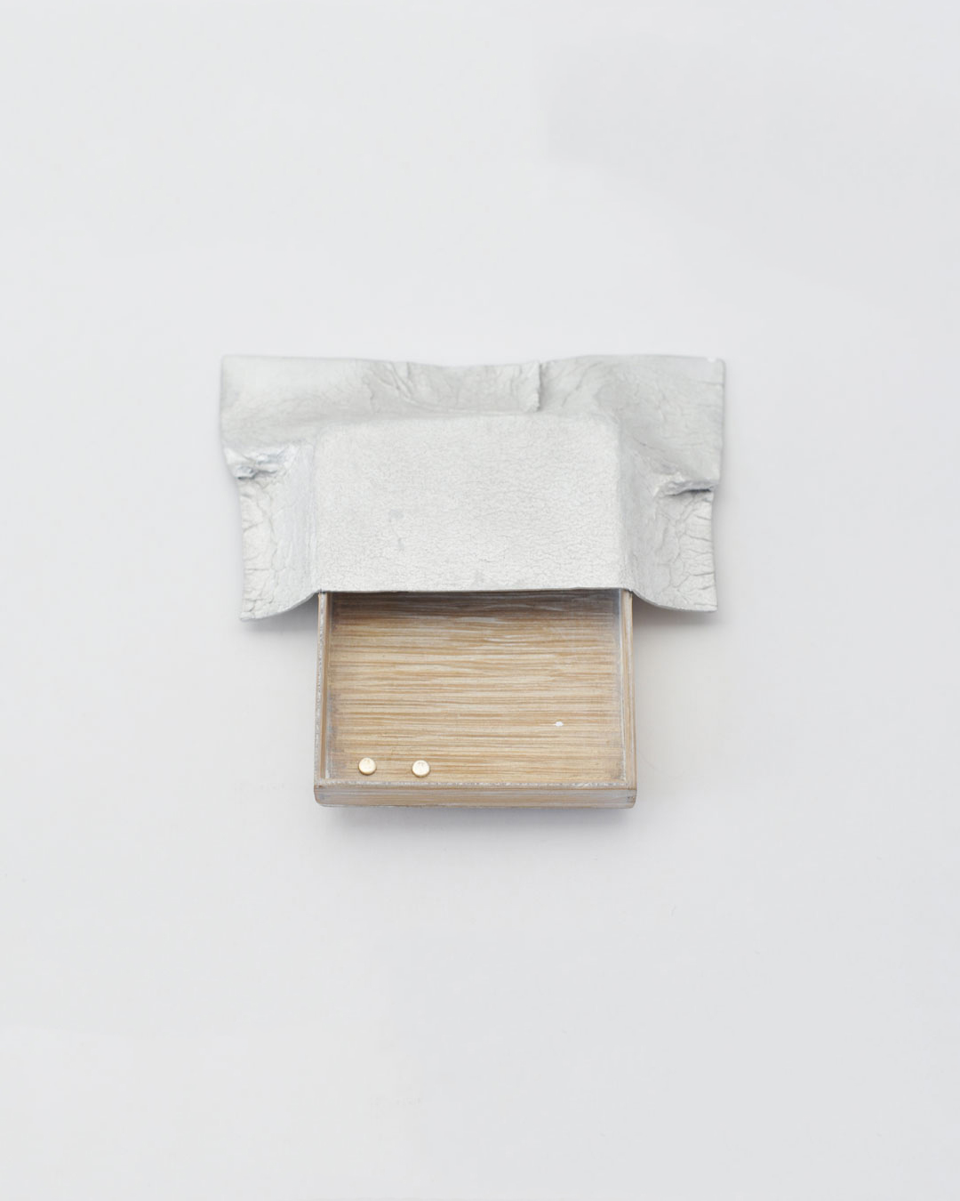 Anders Ljungberg, Declaration #6, 2019, brooch; aluminium, laminated oak, steel, silver, 120 x 125 x 20 mm, €920