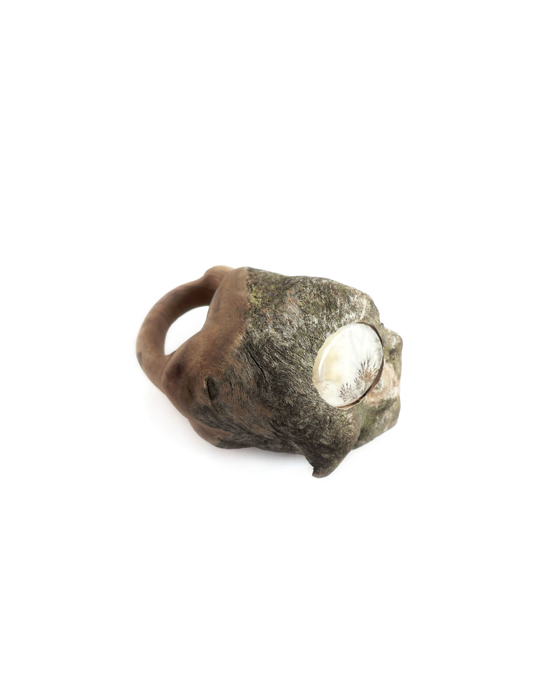 Jenny Klemming, Hortus, 2011, ring; apple wood, agate, 57 x 38 x 42 mm, €950