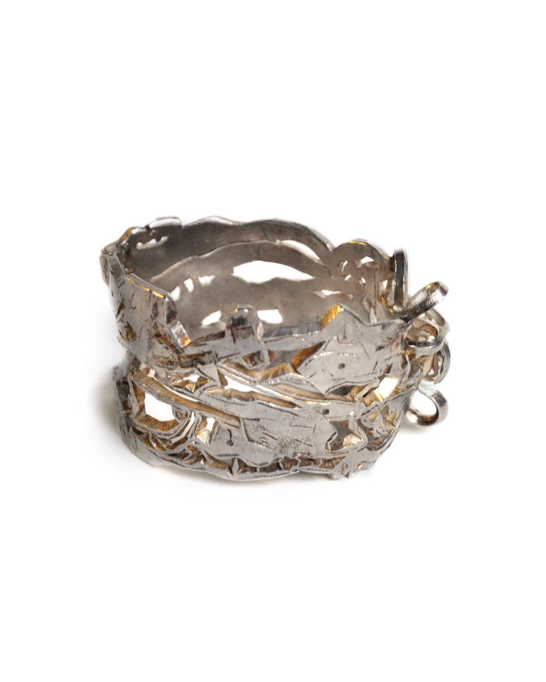 Rudolf Kocéa, Stier, 2008, armband; zilver, ø 70 x 40 mm, €2750