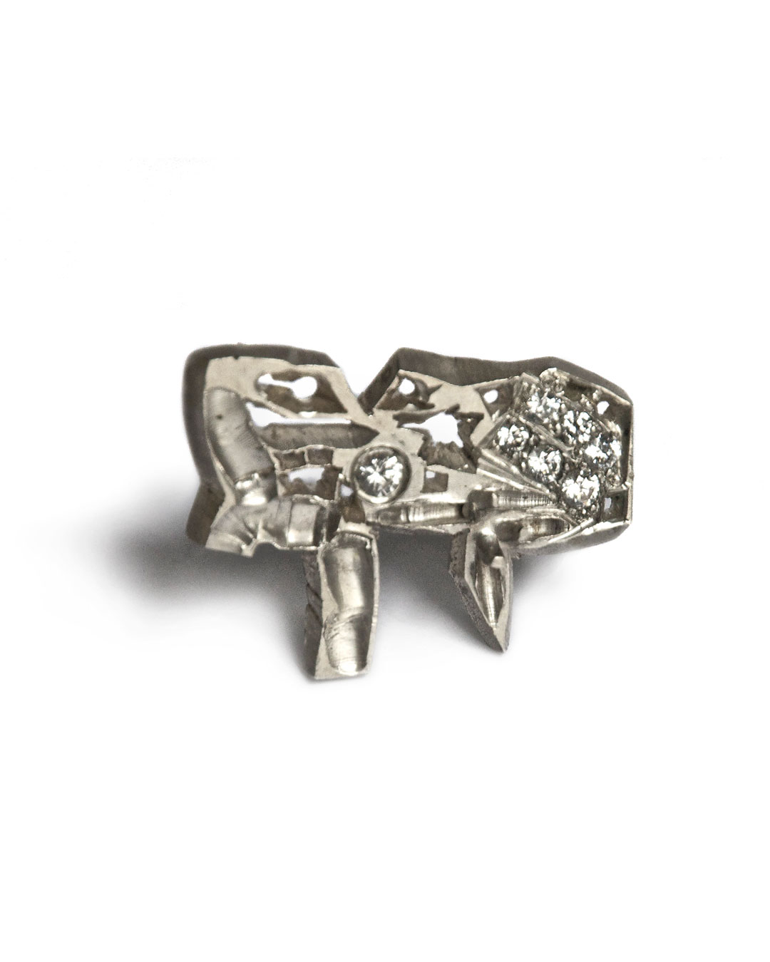 Rudolf Kocéa, Der Freund (The Friend), 2007, brooch; silver, zirconia, 25 x 34 x 6 mm, €1020