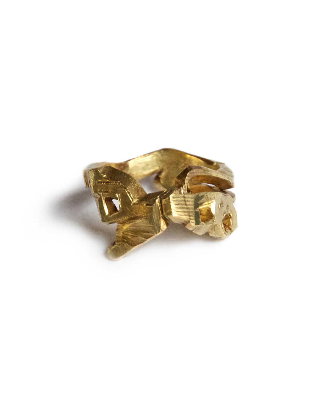 Rudolf Kocéa, PF, 2005, ring; 14ct gold, 22 x 14 mm, €1710