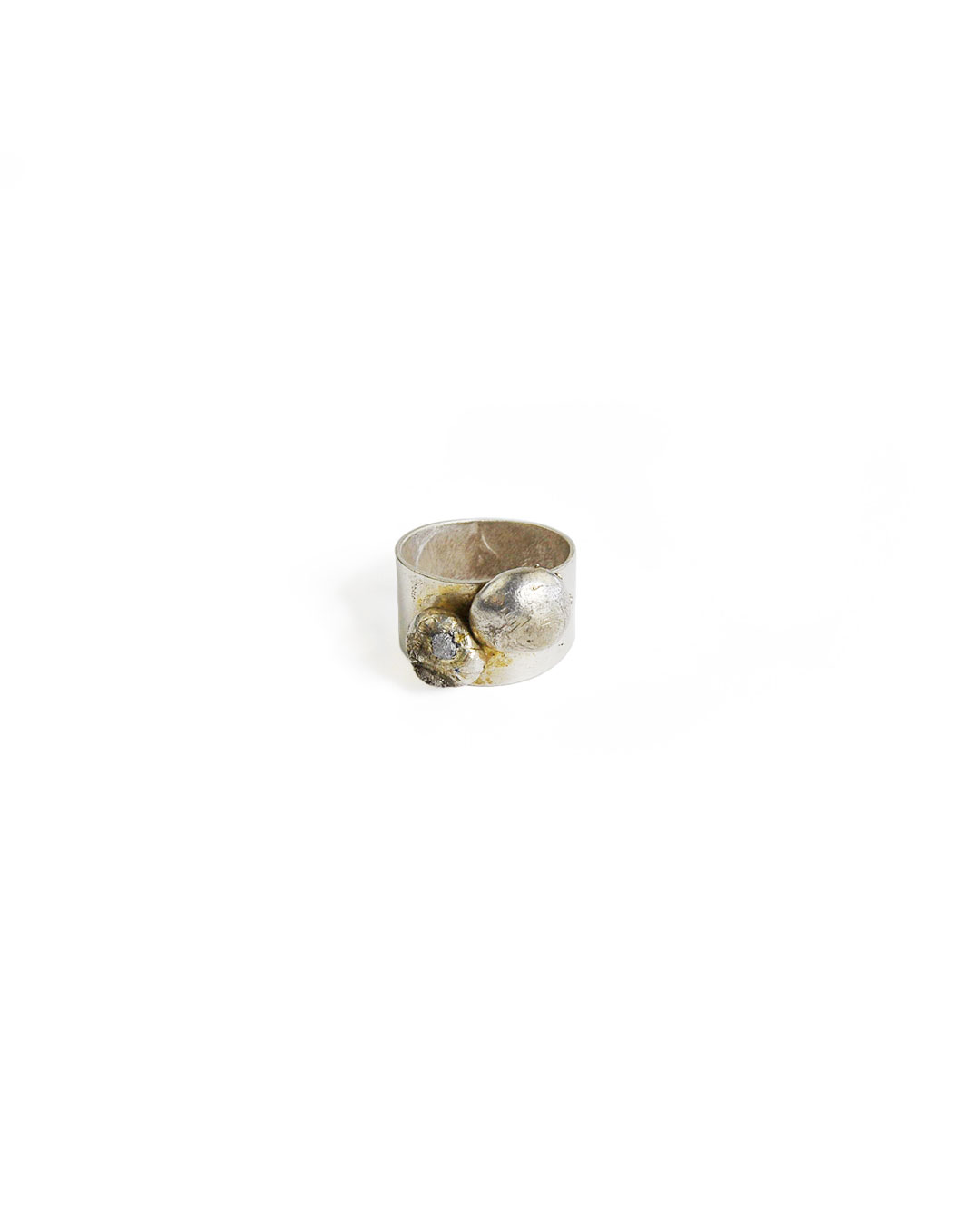 Rudolf Kocéa, untitled, 2014, ring; silver copper alloy, uncut diamonds, ø 19 x 12 mm, €680