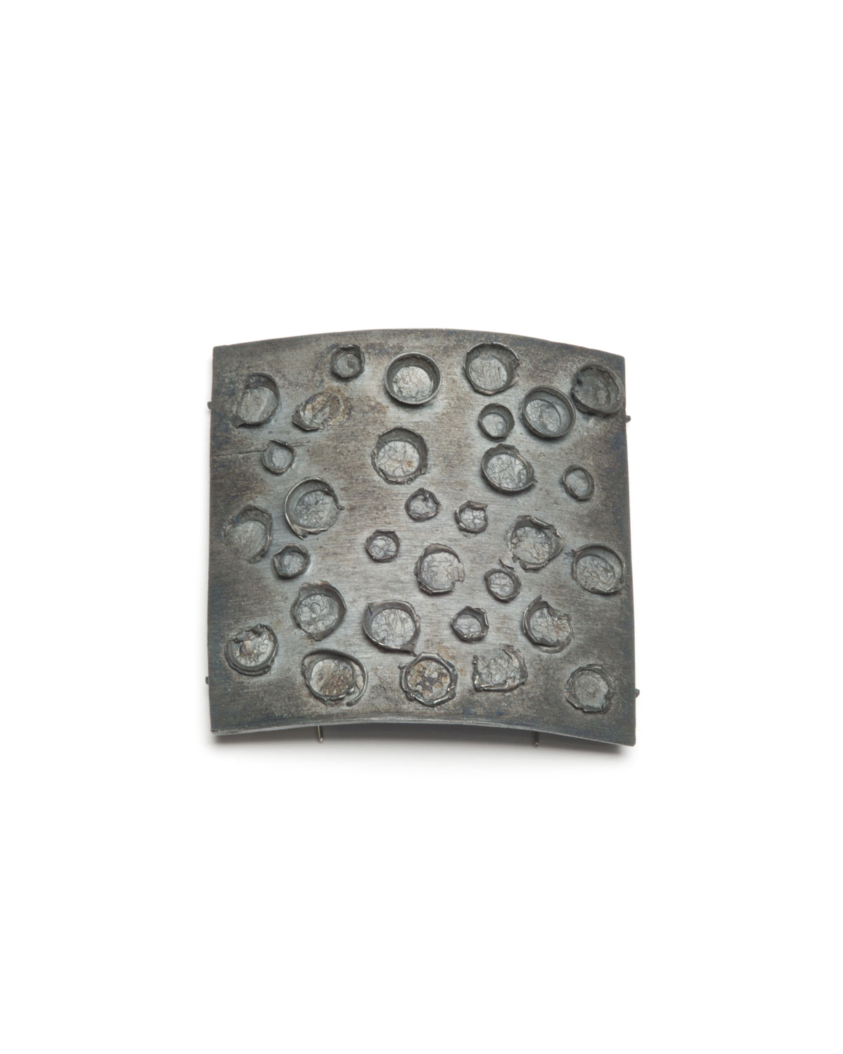 Winfried Krüger, untitled, 2007, brooch; oxidised silver, 80 x 80 mm, €1455