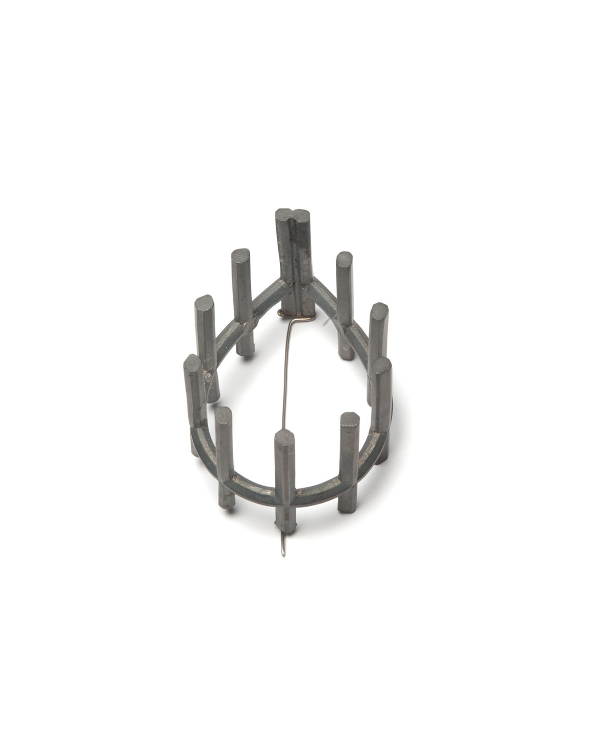 Winfried Krüger, untitled, 2008, brooch; oxidised silver, 45 x 40 mm, €1575