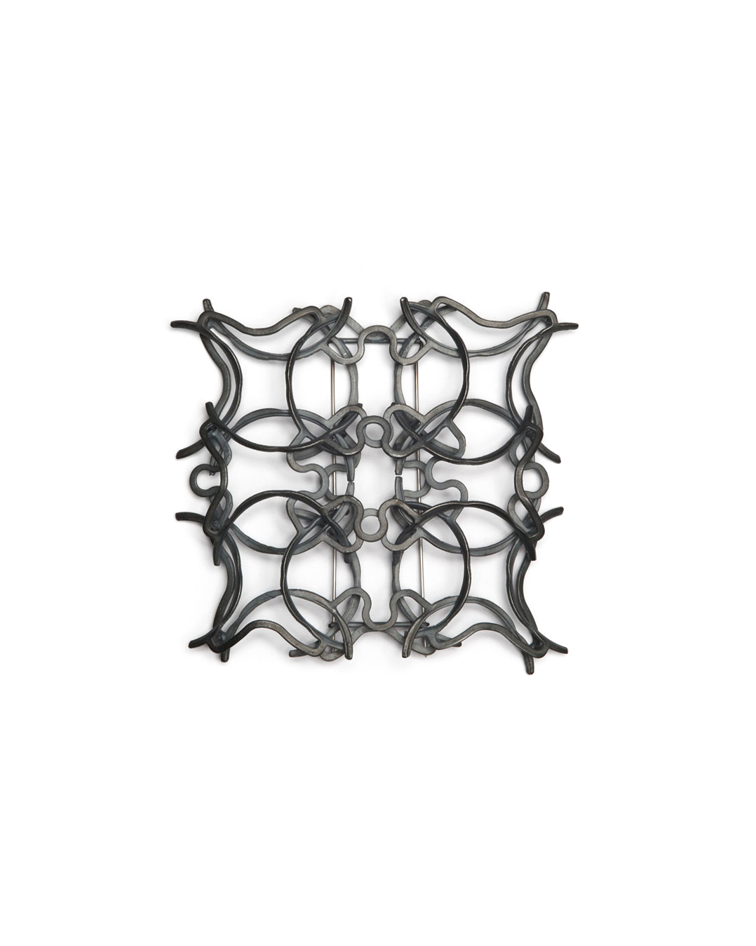 Winfried Krüger, untitled, 1995, brooch; oxidised silver, 80 x 90 mm, €1210