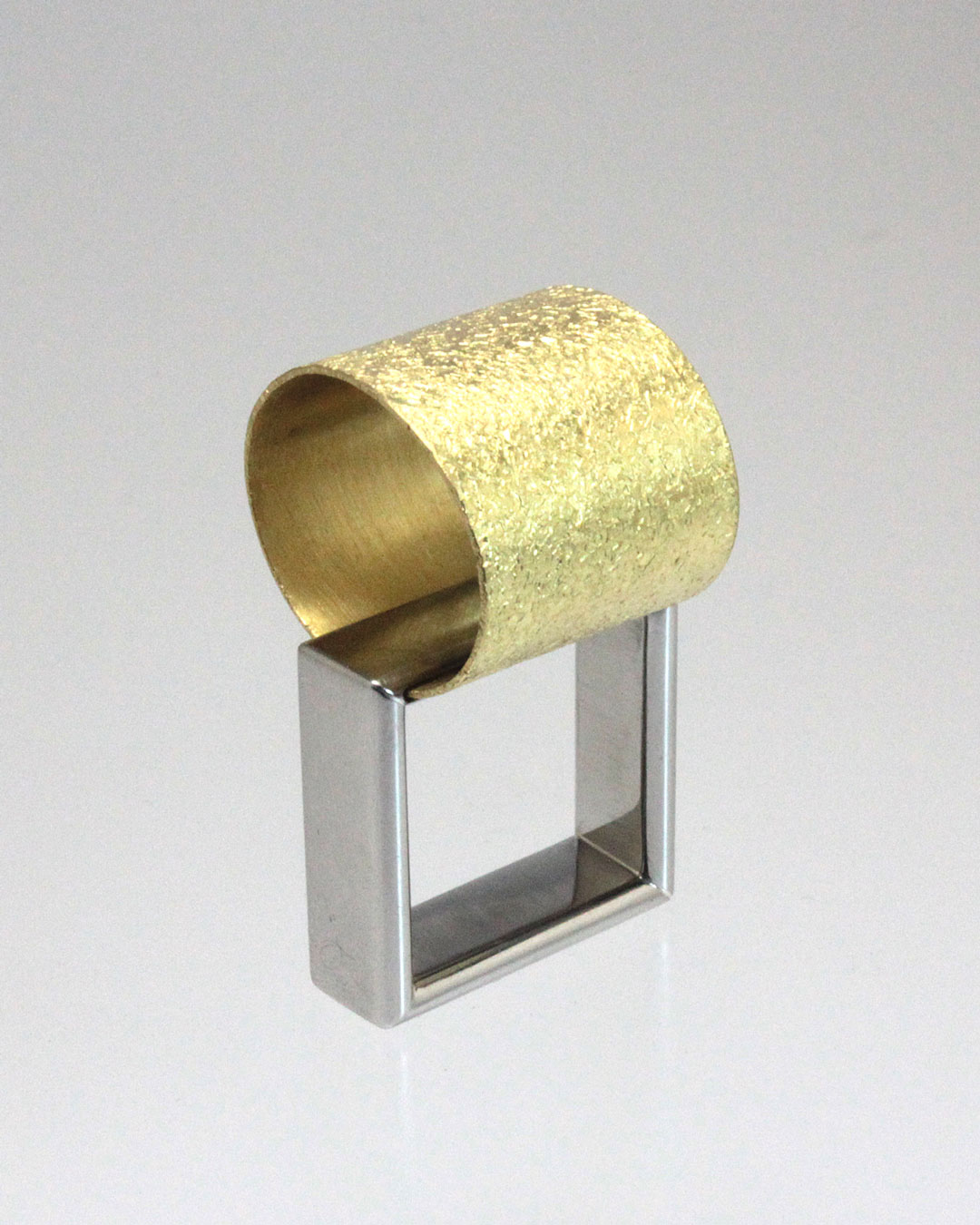 Okinari Kurokawa, untitled, 2014, ring, 20ct gold, stainless steel, 38 x 22 x 21 mm