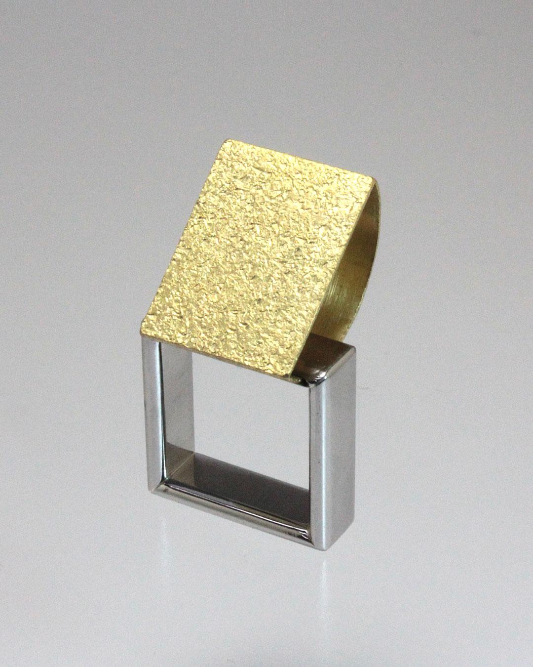 Okinari Kurokawa, untitled, 2014, ring, 20ct gold, stainless steel, 40 x 22 x 23 mm