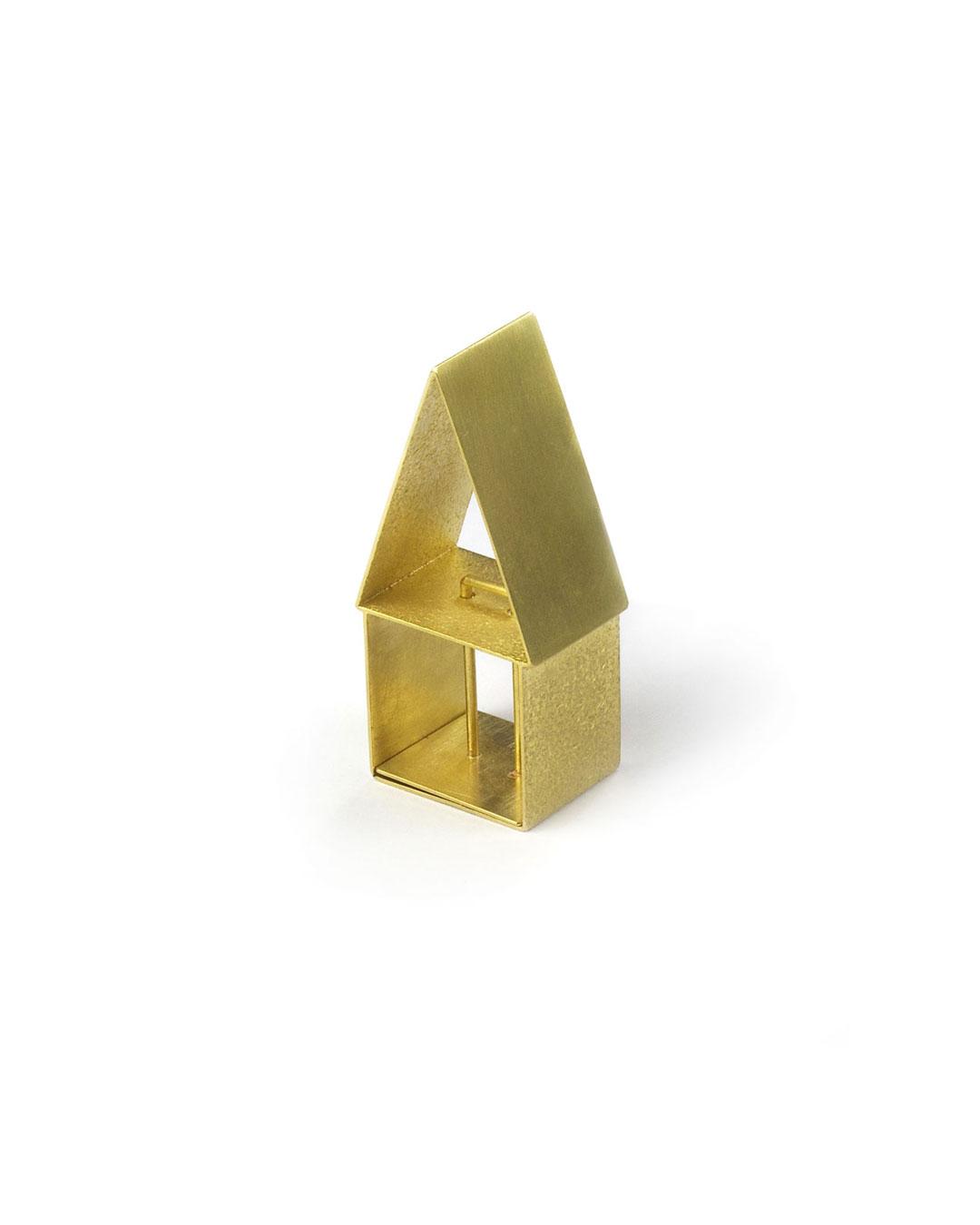 Okinari Kurokawa, untitled, 2006, ring; 20ct gold, 42 x 20 x 14 mm