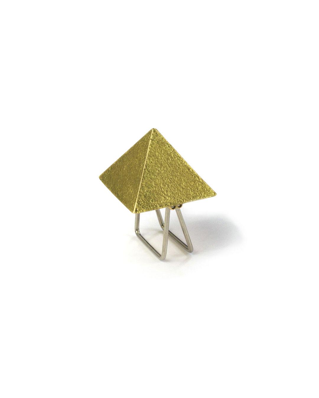 Okinari Kurokawa, untitled, 2007, ring; 20ct gold, 29 x 23 x 12 mm, €1600