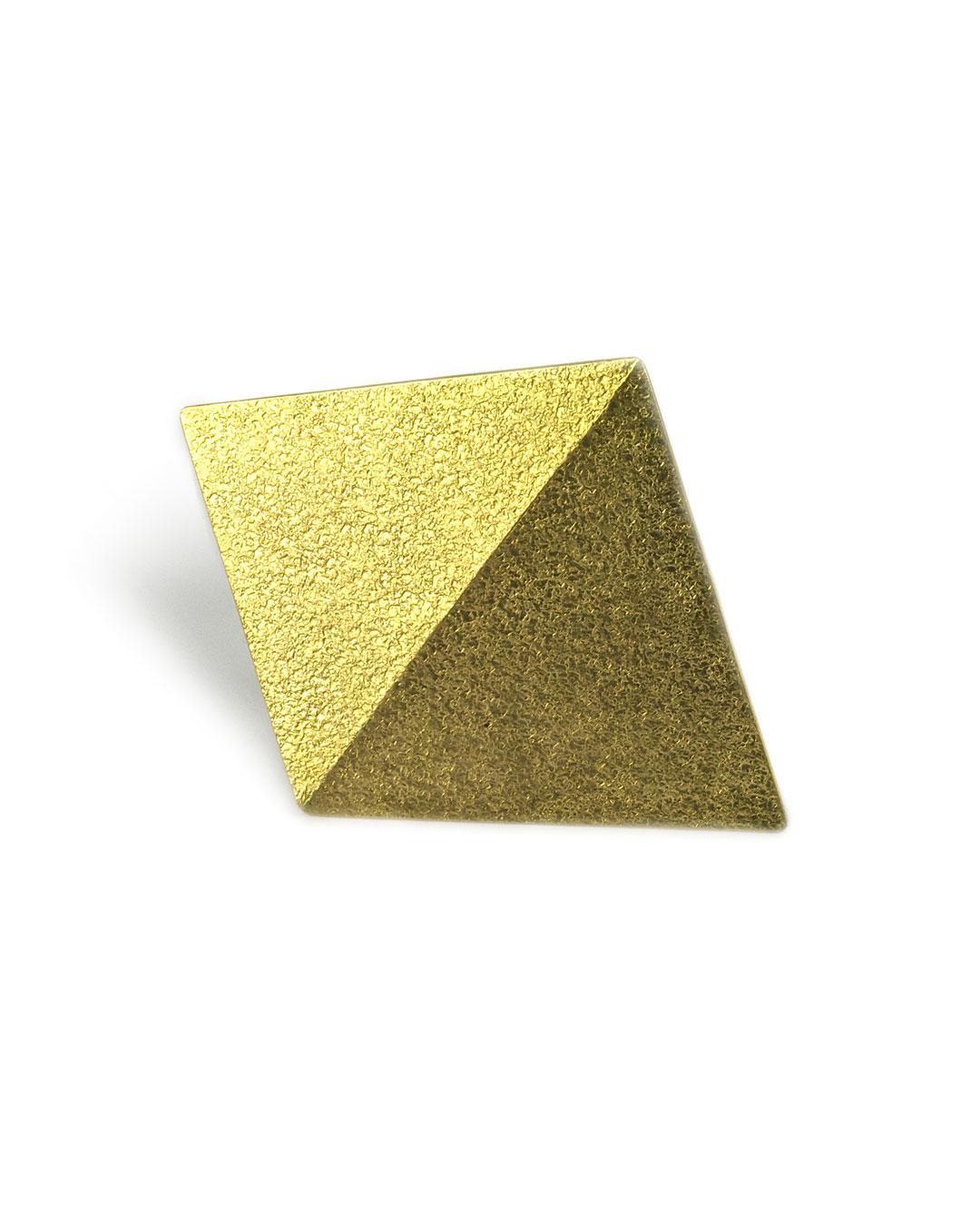 Okinari Kurokawa, untitled, 2007, brooch; 20ct gold, stainless steel, 45 x 56 x 5 mm
