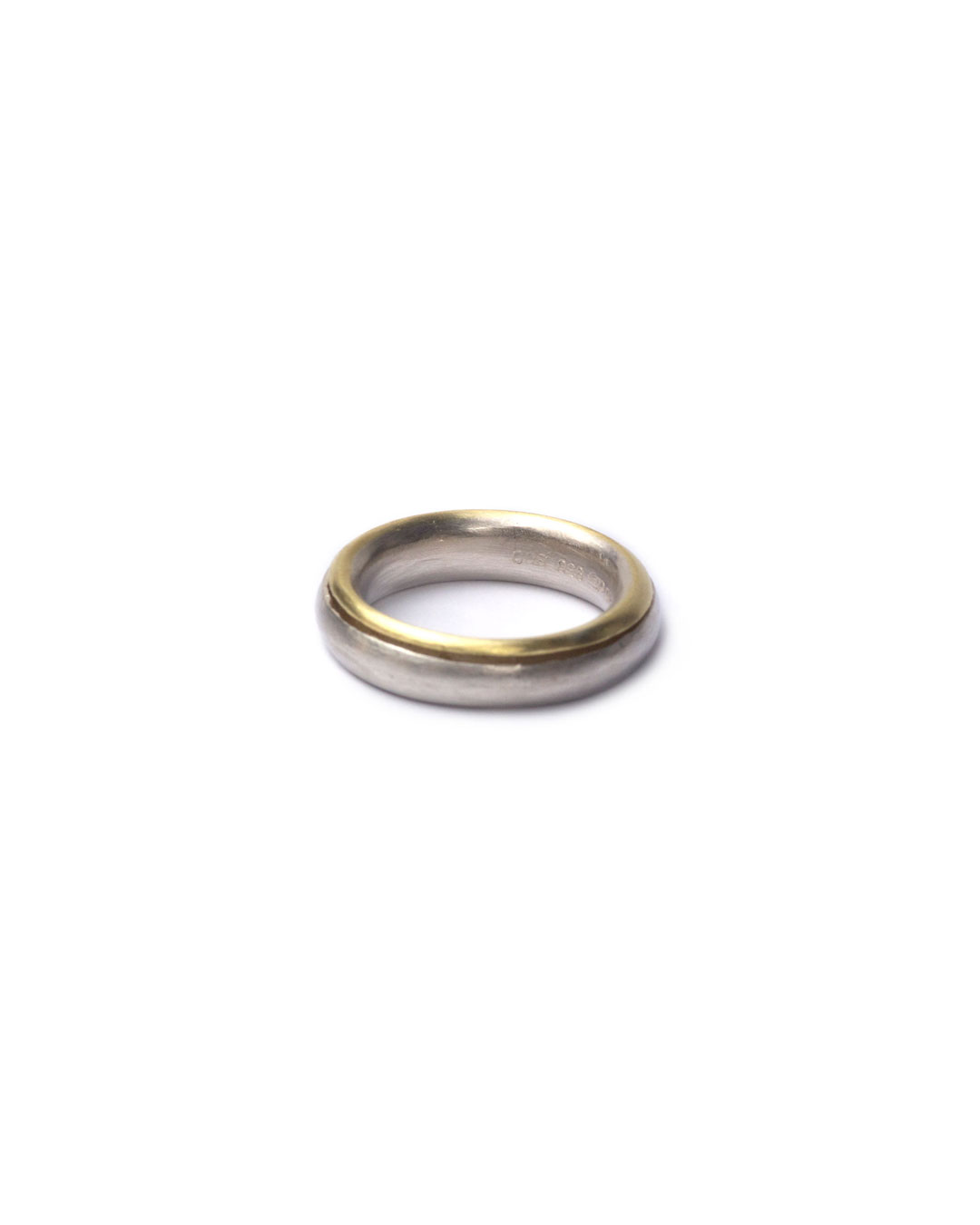 Okinari Kurokawa, untitled, 1998, ring; 970 silver, 900 gold, ø 22 x 5 mm
