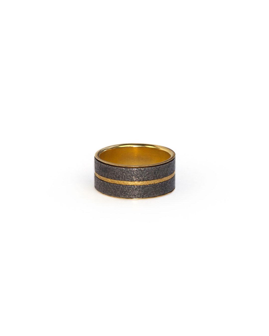 Okinari Kurokawa, untitled, 2008, ring; 20ct gold, silver, 23 x 9 mm
