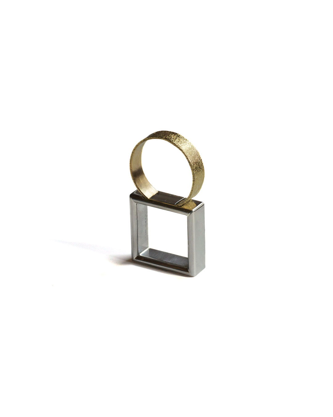 Okinari Kurokawa, untitled, 2013, ring; 20ct gold, stainless steel, 62 x 22 x 8 mm, €1250