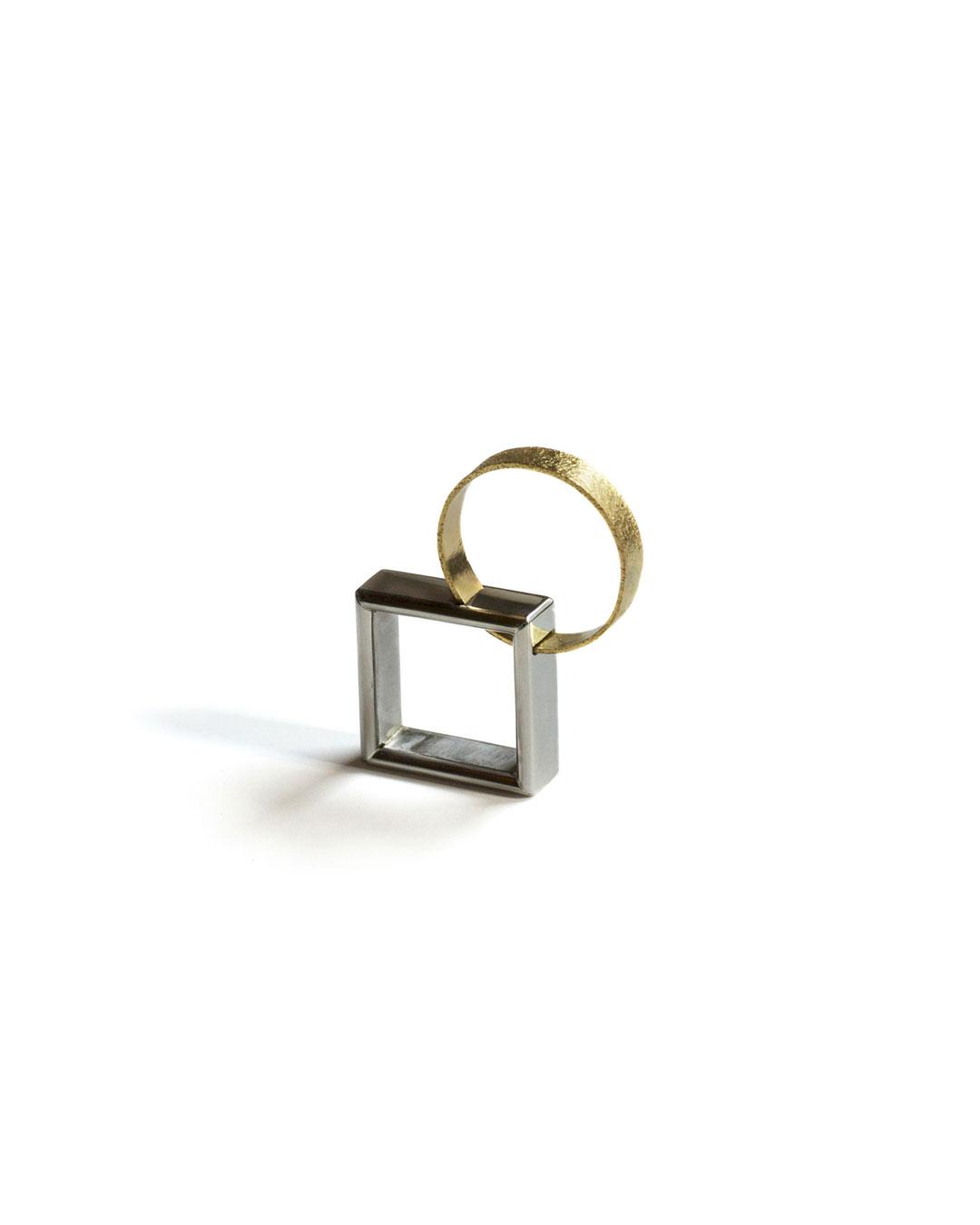 Okinari Kurokawa, untitled, 2013, ring; 20ct gold, stainless steel, 40 x 33 x 8 mm