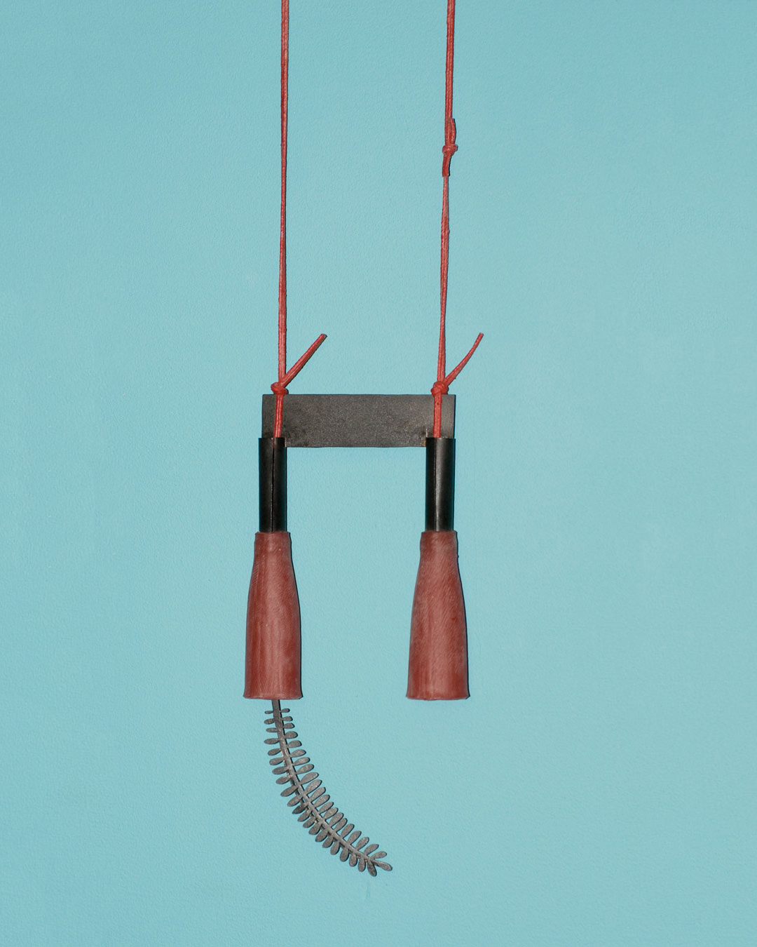 Dongchun Lee, Inhale Exhale, 2009, necklace; iron, latex, 88 x 212 x 23 mm, €1040