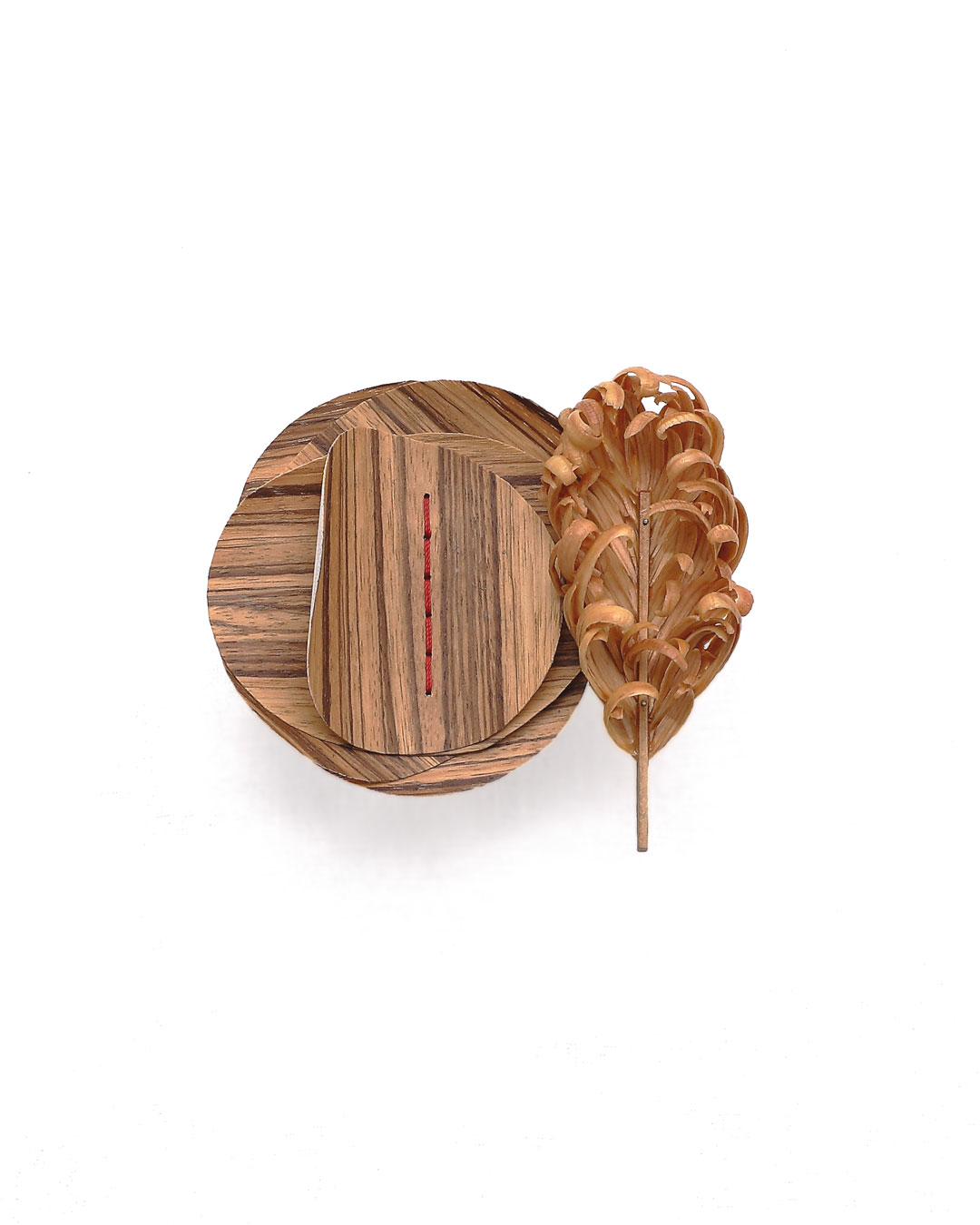 Dongchun Lee, Flourish Wither, 2014, brooch; wood, nylon thread, galvanised steel, nickel silver, 135 x 120 x 35 mm, €2010