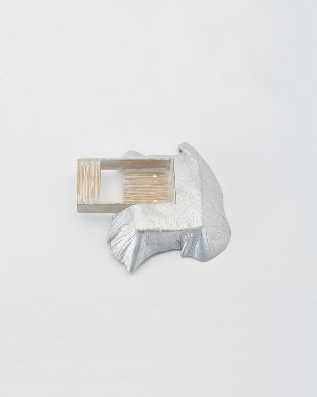 Anders Ljungberg, Declaration #2, 2019, brooch; aluminium, laminated oak, steel, 128 x 120 x 25 mm, €920